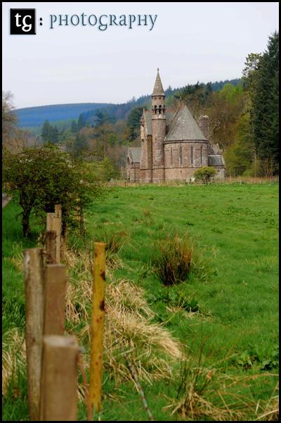 Elaine & Iain€™s wedding, St Pallidus Church & Wedding reception, Drumtochty Castle