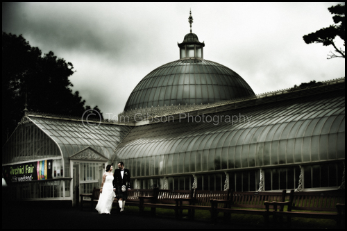 Wedding Glasgow Botanic Gardens, Gorgeous wedding photograph Kirsten & Steven