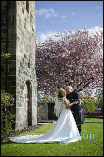 Paisley Abbey Wedding, Suzanne & Hugh