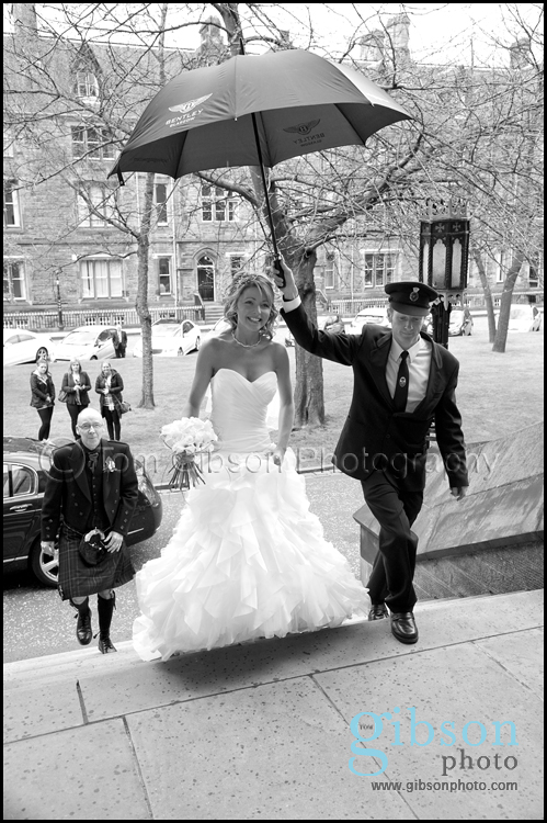 Glasgow University Chapel Wedding Photographer Photograph of the Bride arriving