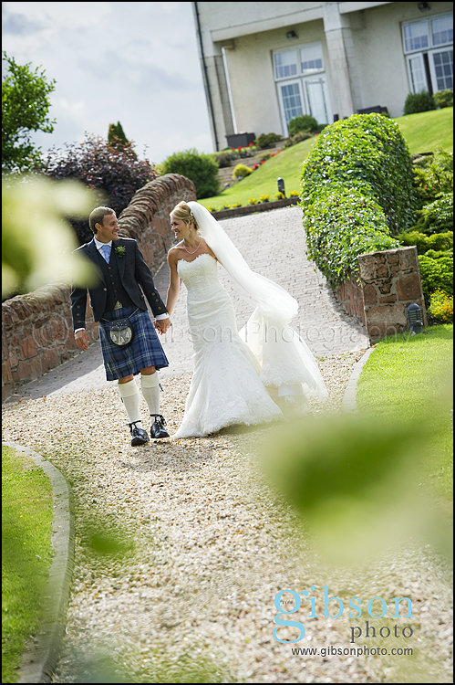 Lochside Weddings Scotland, Relaxed natural wedding photography
